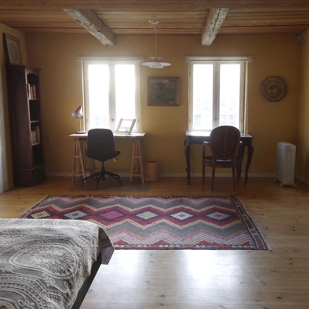 Vindbyholtgårds refugium har tre værelser opkaldt efter tre forfattere - her ses Gyllembourg's værelse.