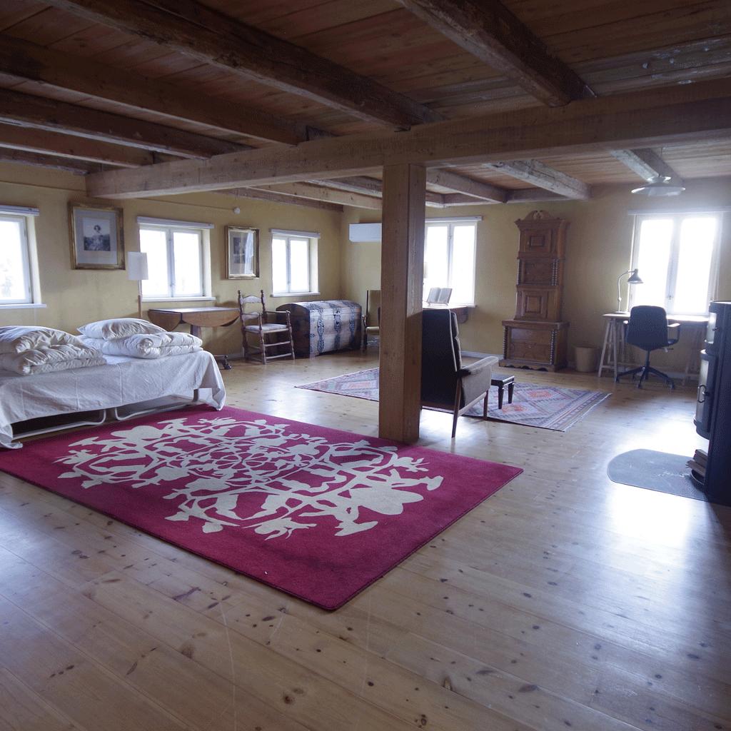 Vindbyholtgårds refugium har tre værelser opkaldt efter tre forfattere - her ses Prousts værelse.